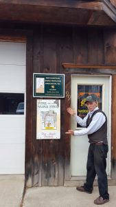 President Fadden proudly displaying his NHMPA sign in N Woodstock